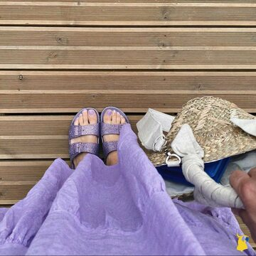 #ootd with our TRANCOSO - PARME 💜 📸 @joityourself  . . . . #mycacatoes #frombrazilwithlove #picoftheday #summer #beachlife #sandals #instagood #fun #fashion #style #beachwear #summeroutfit #flipflops #holidays #instamood #happyfeet #summervibes #footprints #candyscented #trancoso #parme